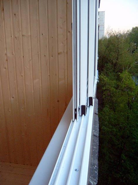 Как снять раздвижные ставни на балконе..